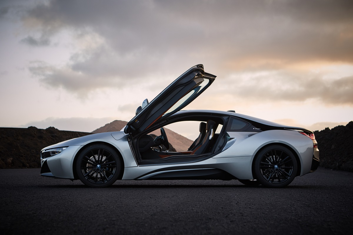 P90285406_highRes_the-new-bmw-i8-coupe.jpg