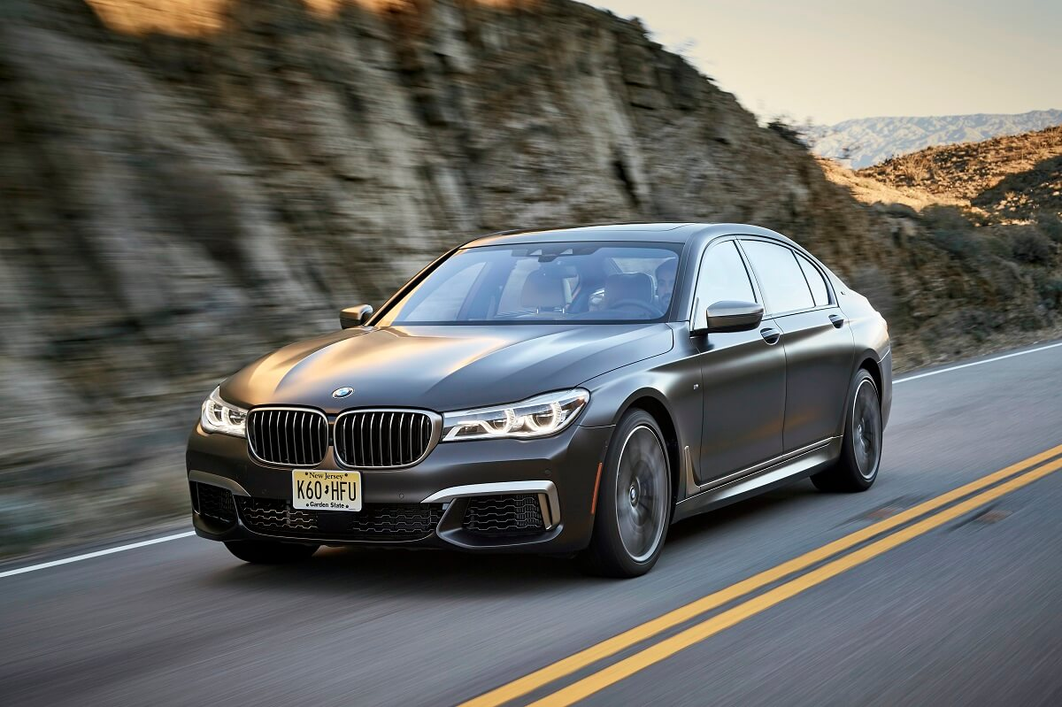 BMW M760Li xDrive (25).jpg