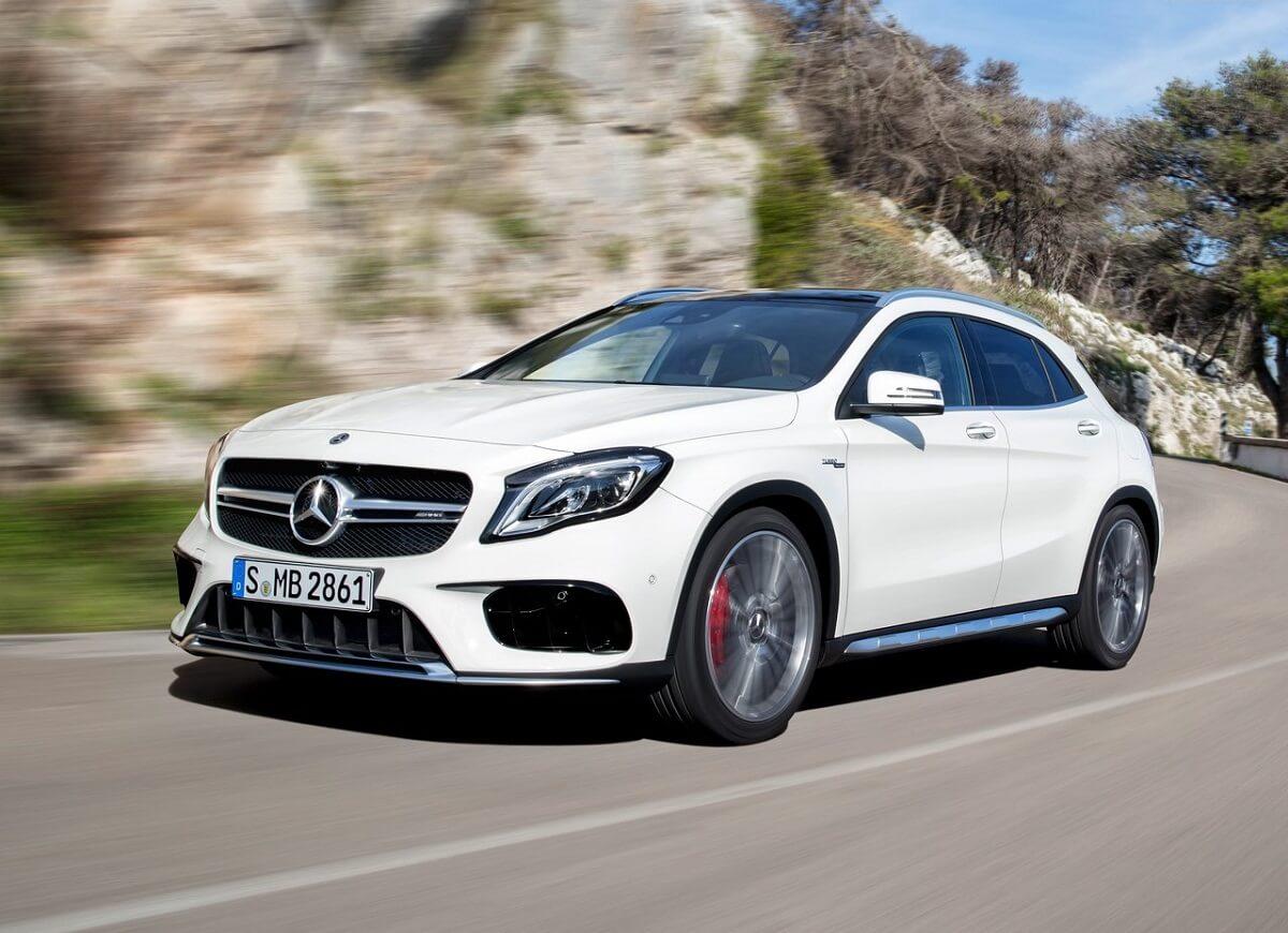 Mercedes-Benz-GLA45_AMG-2018 (4).jpg