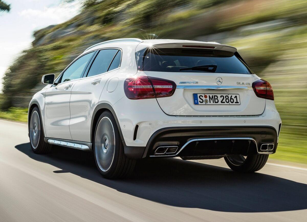 Mercedes-Benz-GLA45_AMG-2018 (5).jpg