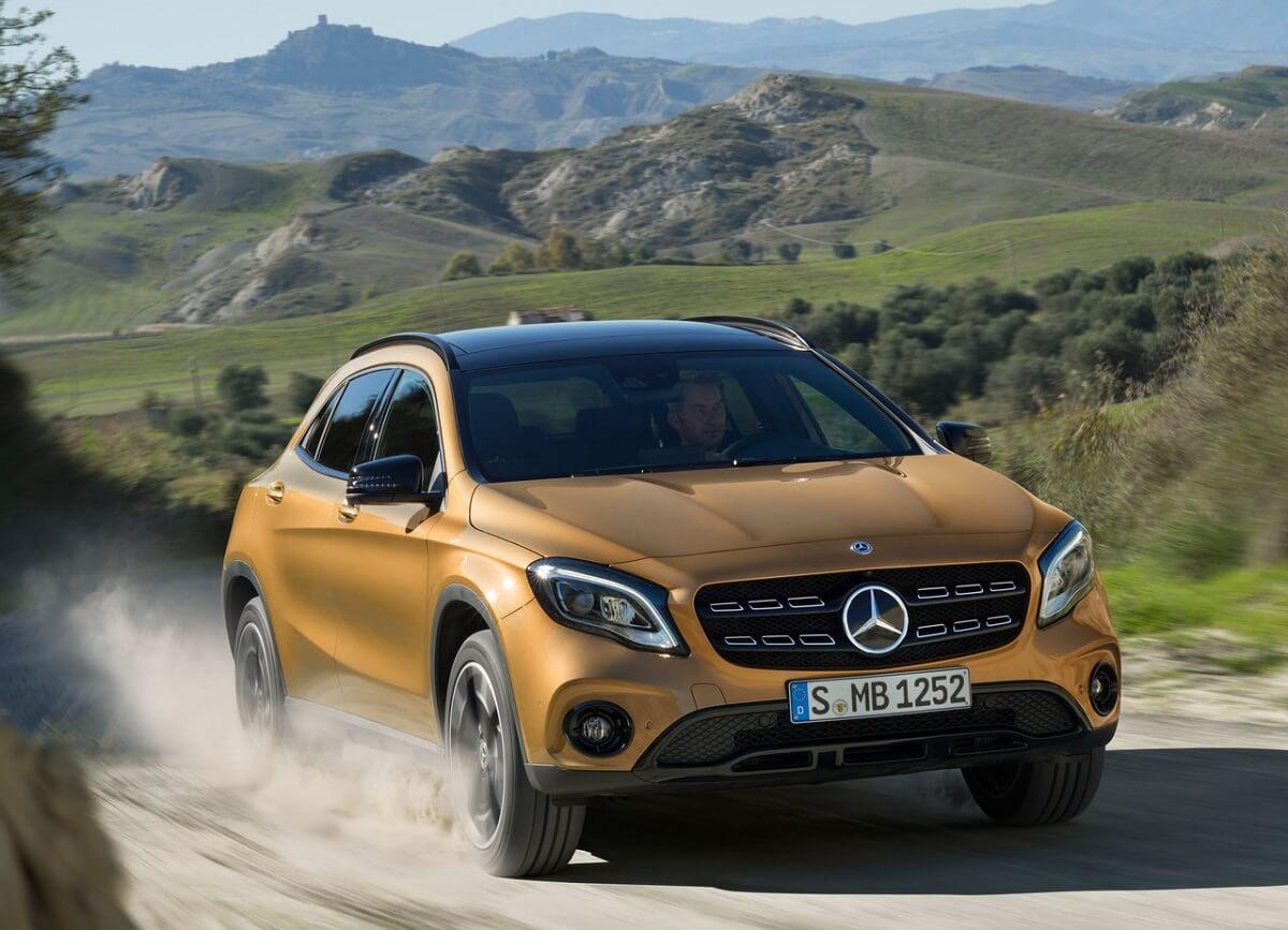 Mercedes-Benz-GLA45_AMG-2018 (8).jpg