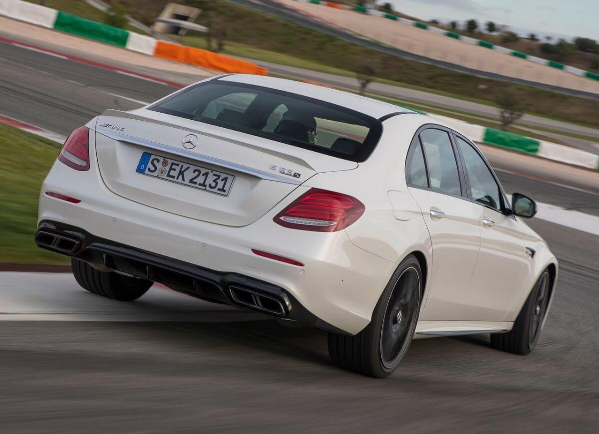 Mercedes-Benz-E63_AMG-2017 (1).jpg