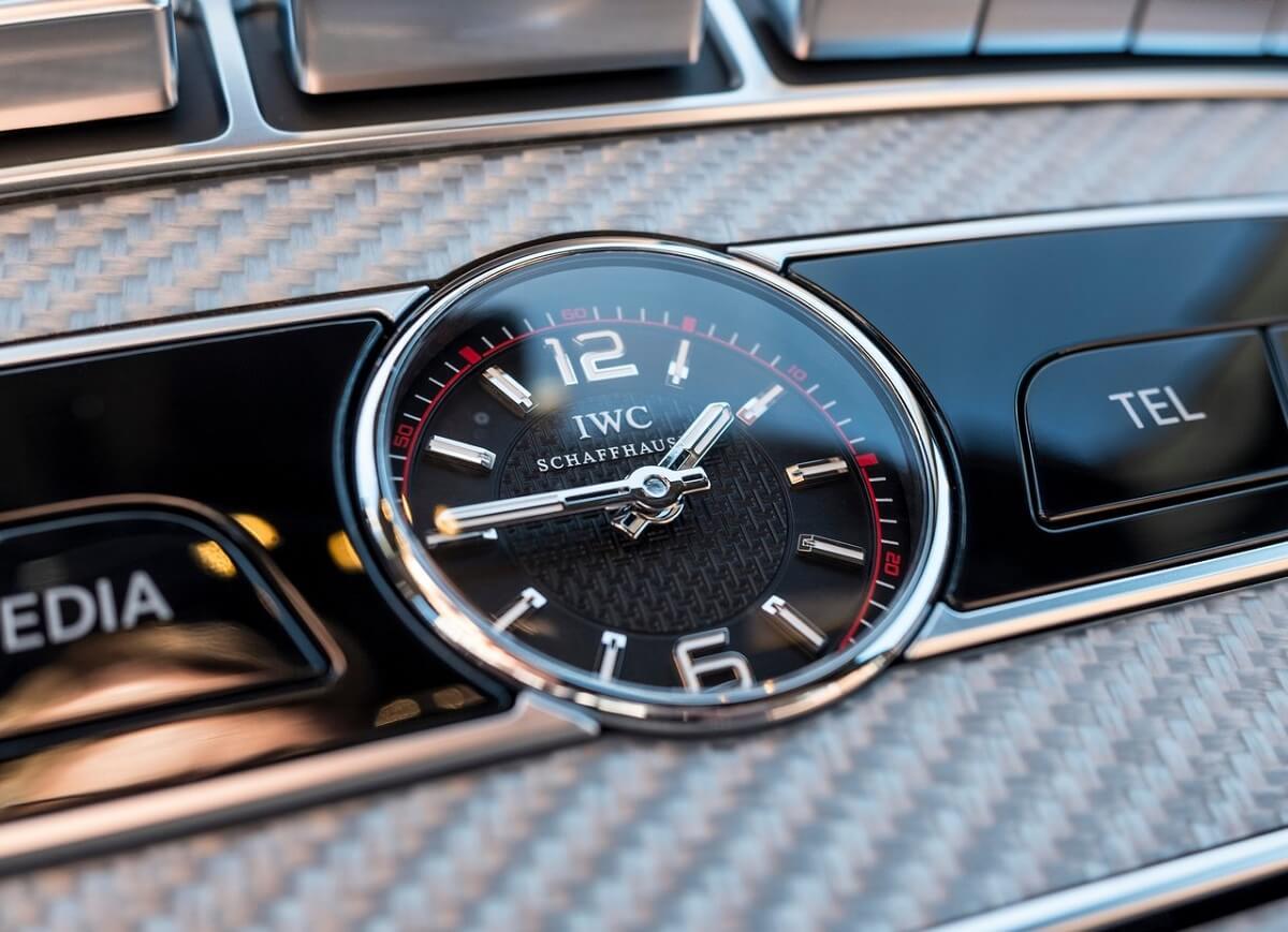 Mercedes-Benz-E63_AMG-2017 (4).jpg