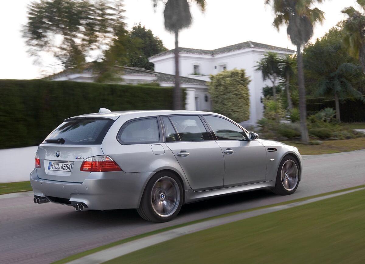 BMW-M5_Touring-2008.jpg
