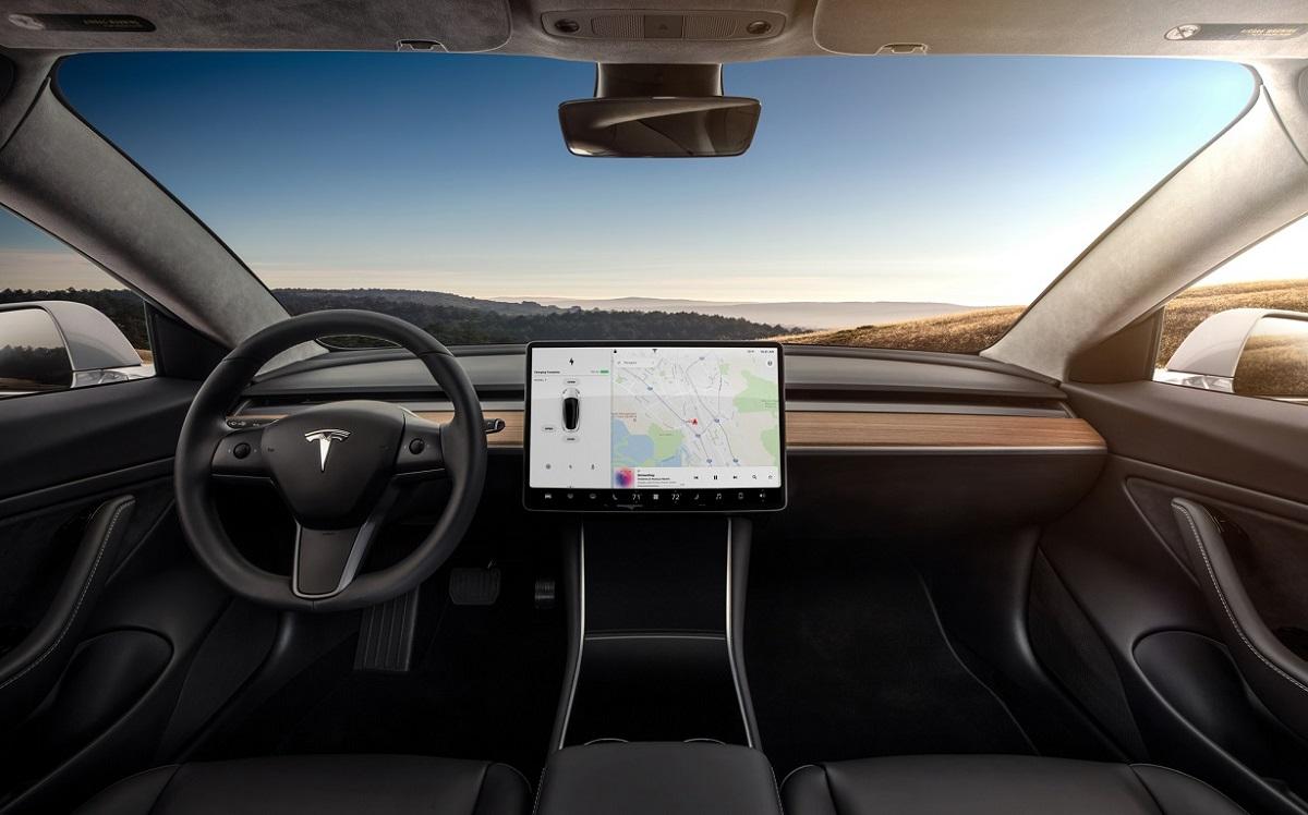 Tesla Model 3 (1).jpg