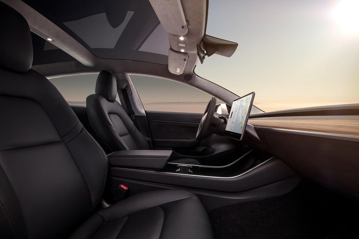 Tesla Model 3 (4).jpg