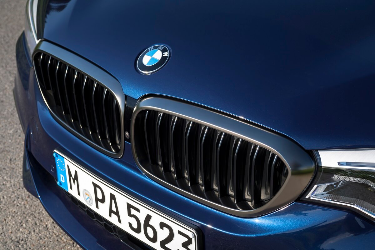 P90255005_highRes_the-new-bmw-m550i-xd.jpg