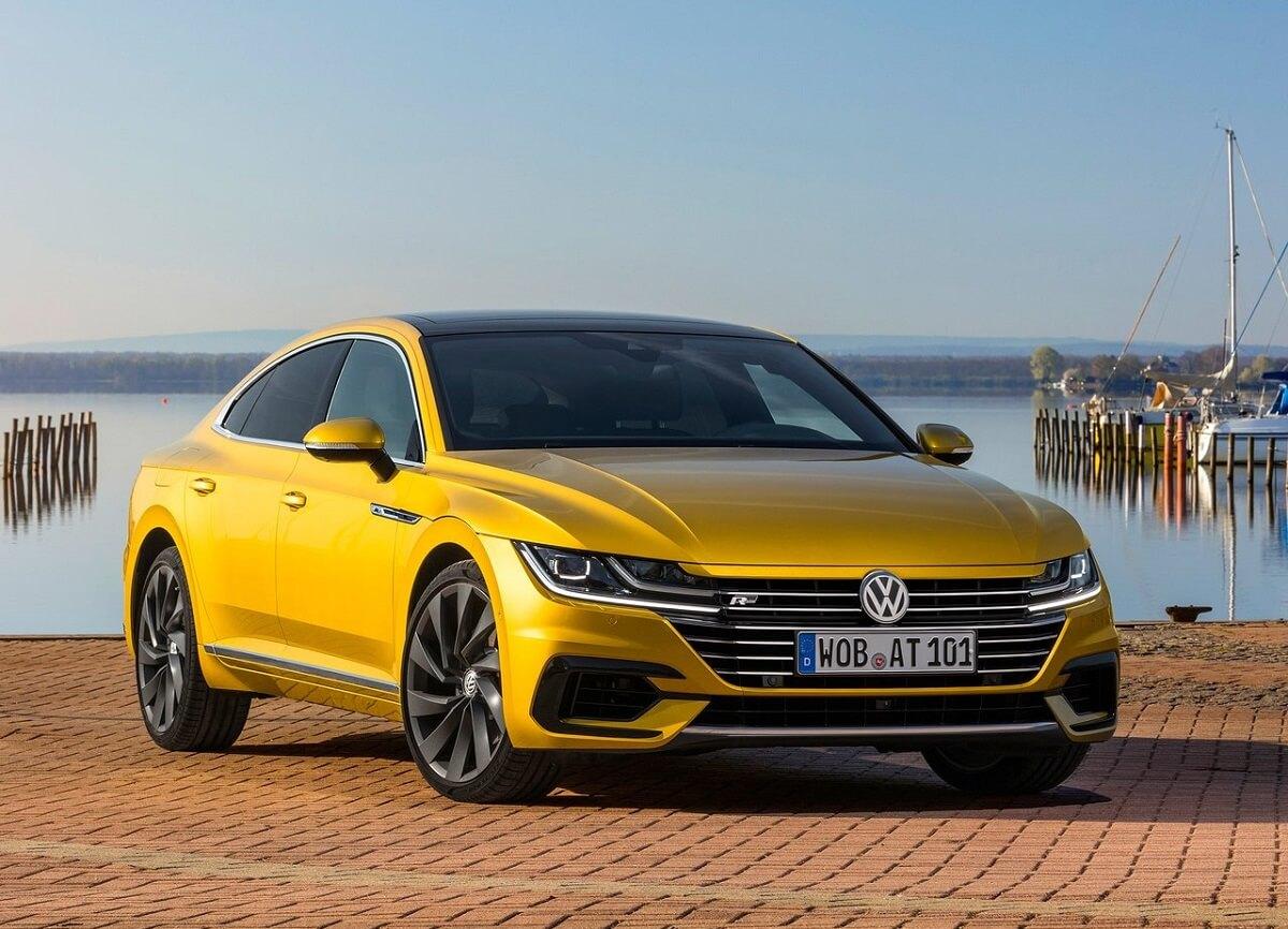 Volkswagen-Arteon-2018 (3).jpg