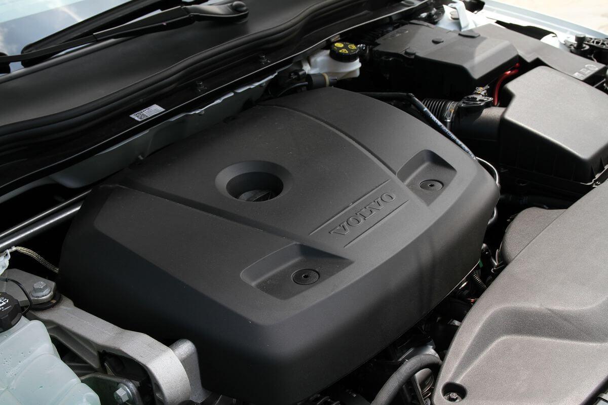 Volvo-V40 (3).jpg