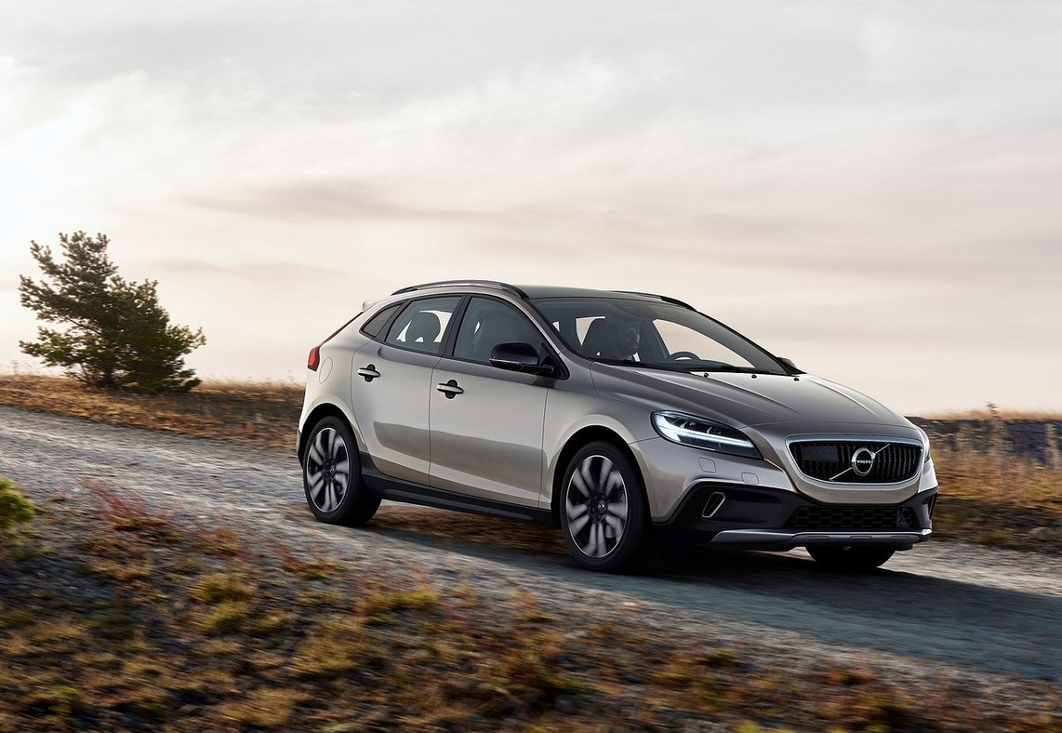 Volvo-V40_Cross_Country.jpg