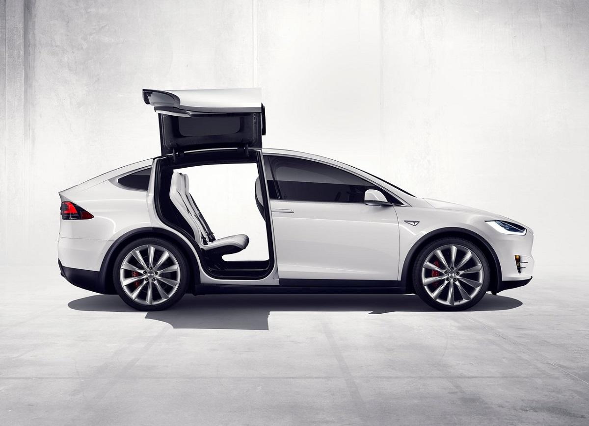 Tesla-Model_X-2017 (2).jpg