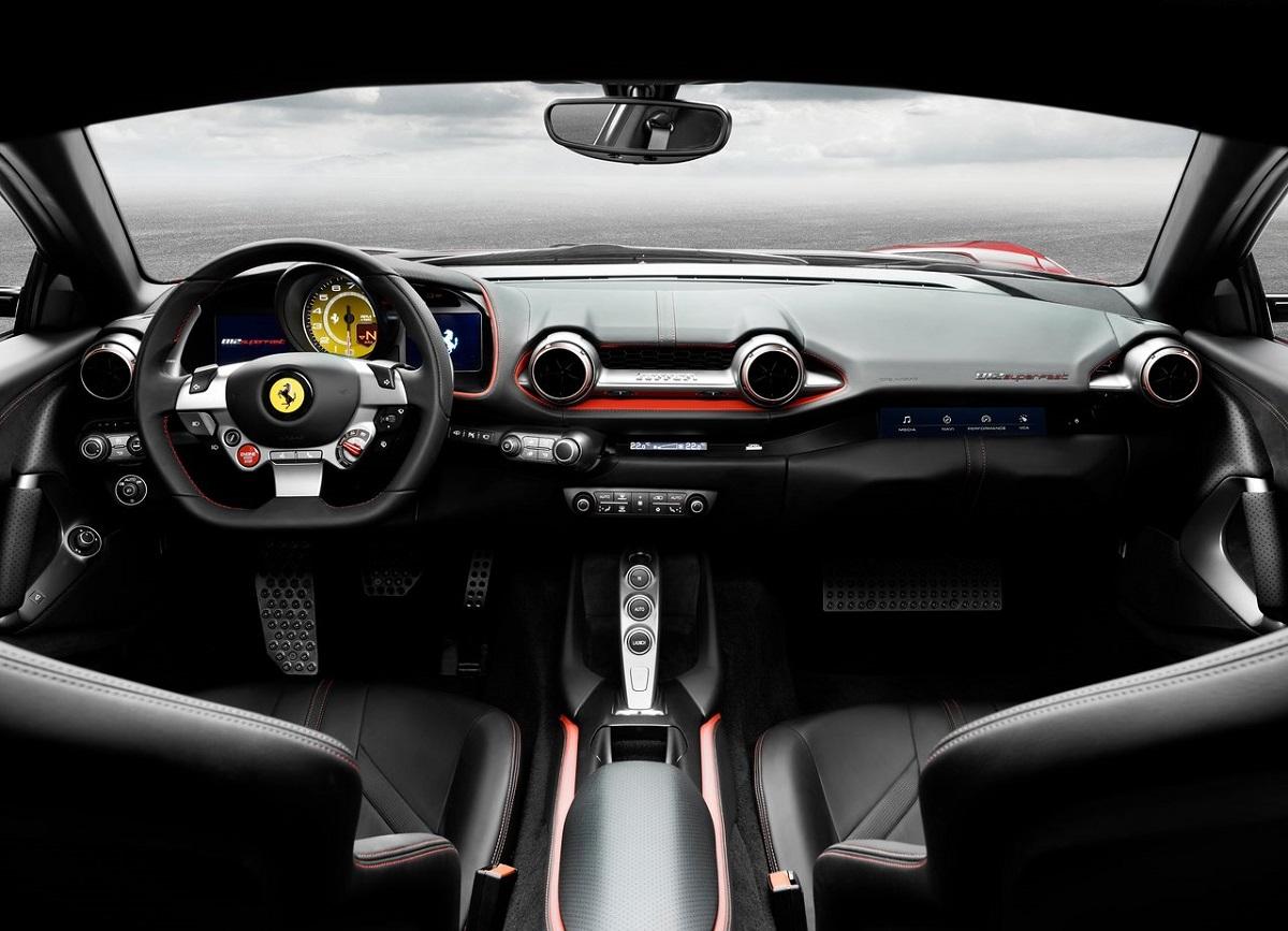 Ferrari-812_Superfast-2018 (2).jpg