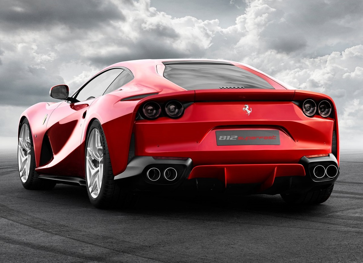 Ferrari-812_Superfast-2018 (5).jpg
