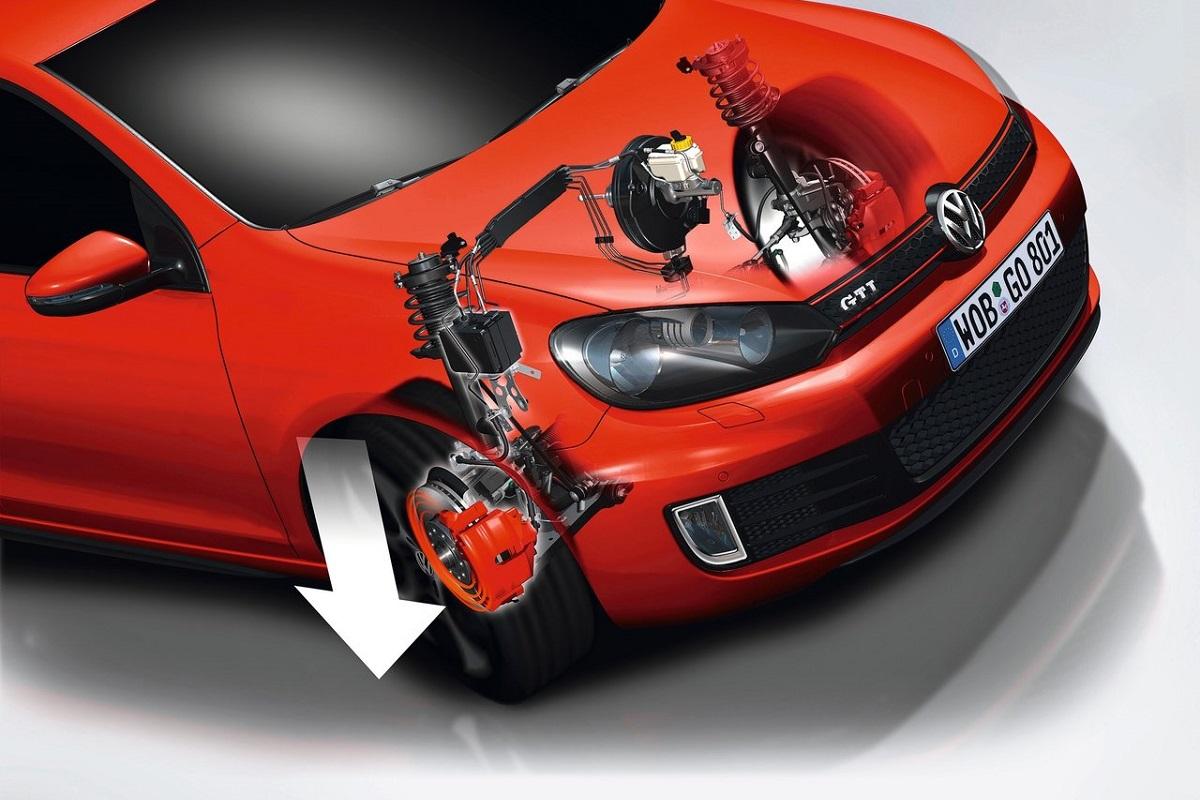 Volkswagen-Golf_GTI (1).jpg