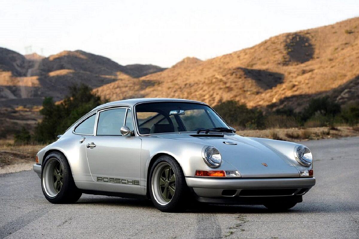 singer-911-silver-15-1100x732.jpg