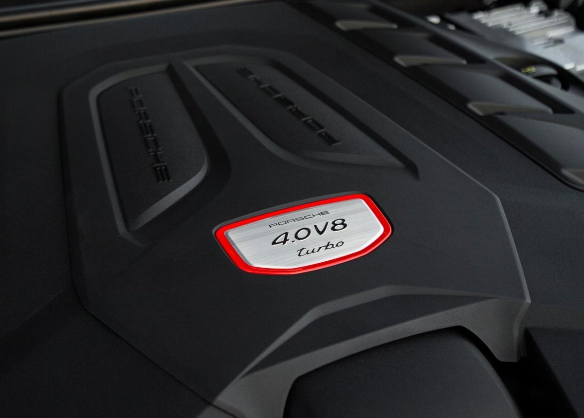 Porsche-Cayenne_Turbo-2018-1280-c9.jpg