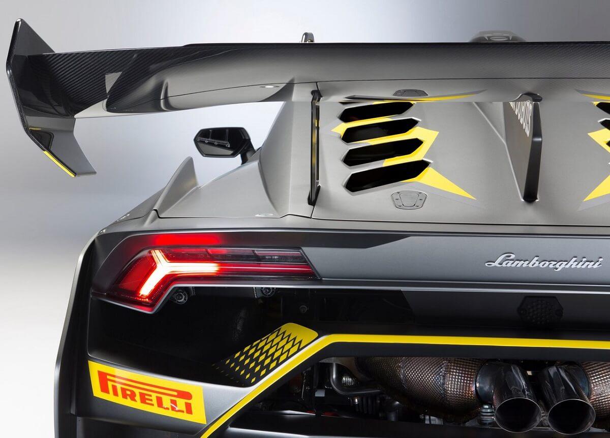 Lamborghini-Huracan_Super_Trofeo_Evo_Racecar-2018 (7).jpg
