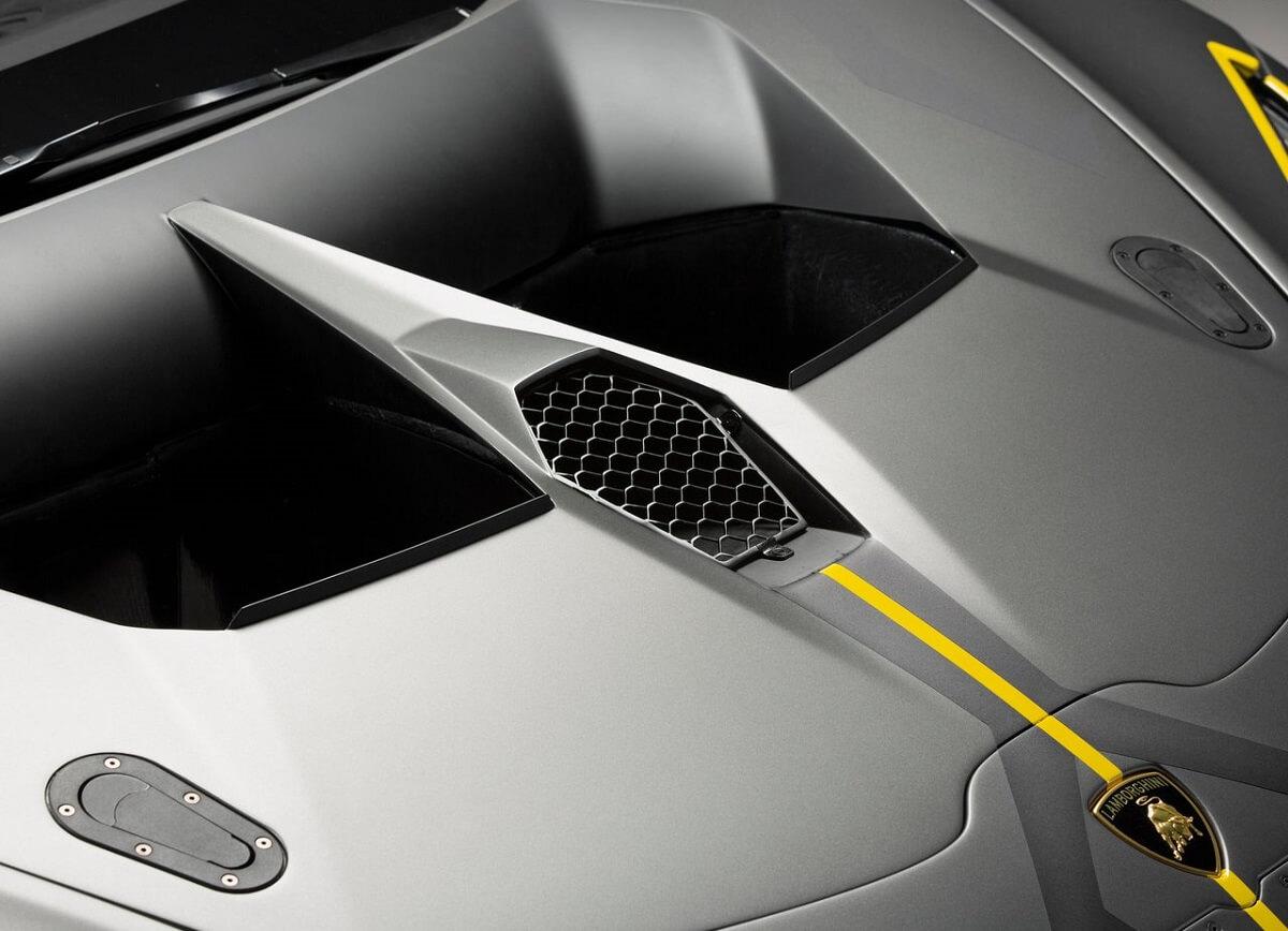 Lamborghini-Huracan_Super_Trofeo_Evo_Racecar-2018 (9).jpg
