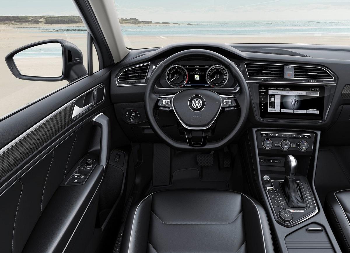 Volkswagen-Tiguan (3).jpg