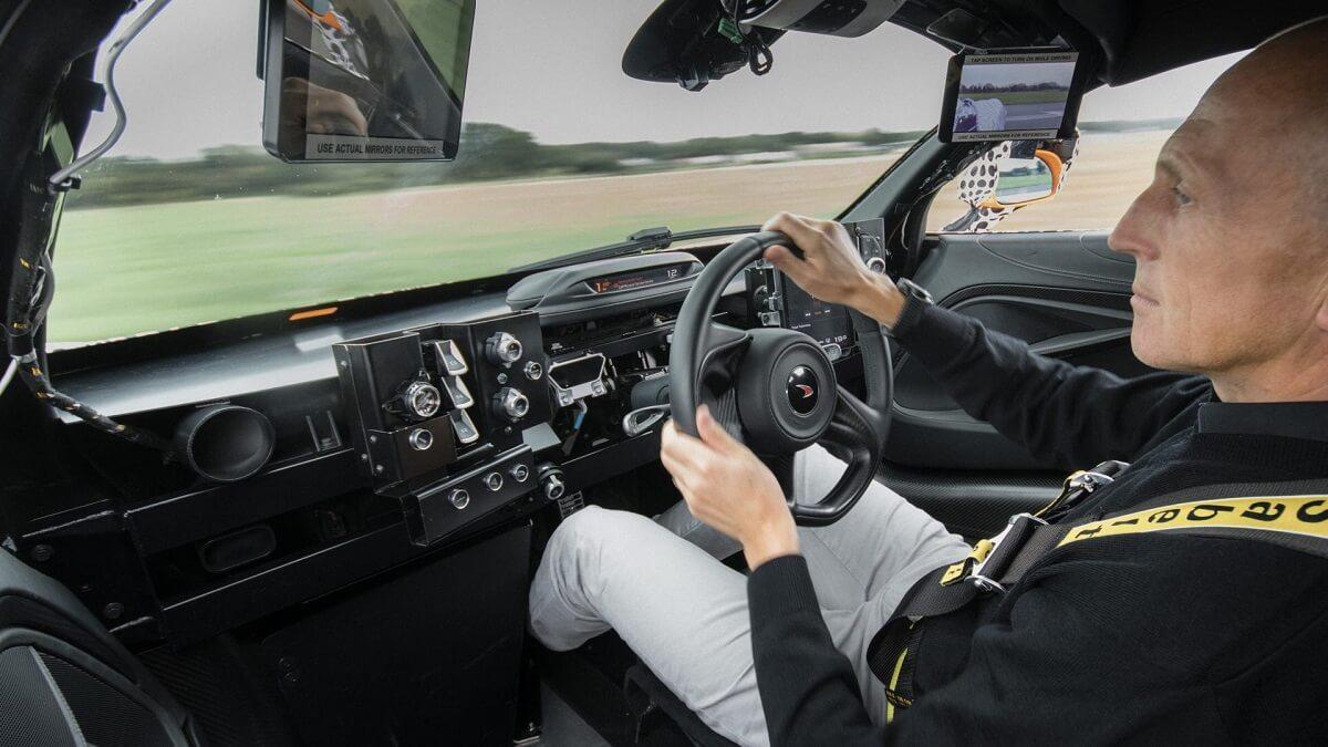 McLaren BP23 (3).jpg