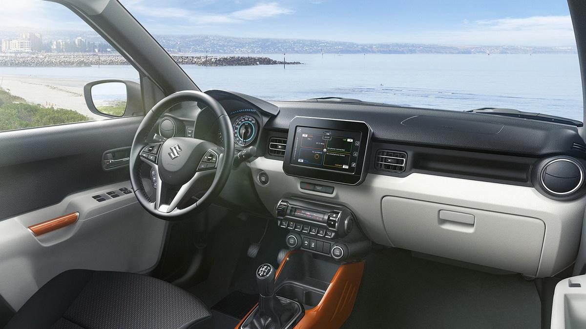 Suzuki-Ignis-White-interiors.jpg