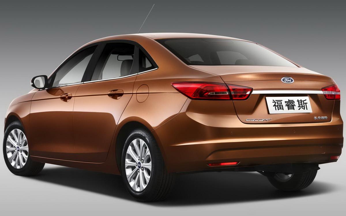 Novo-Ford-Escort-2015 (3).jpg