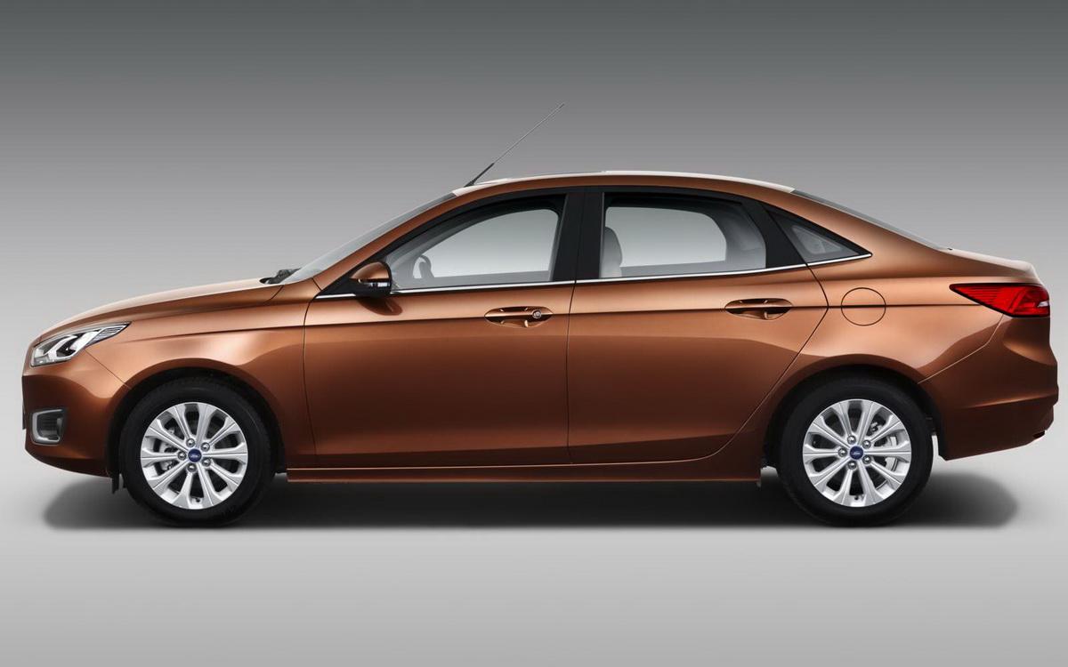 Novo-Ford-Escort-2015 (4).jpg