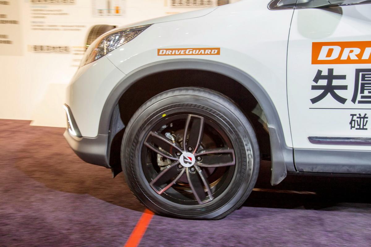 DriveGuard失壓續跑胎在無胎壓情況下能以時速80公里的速度行駛80公里的距離.jpg