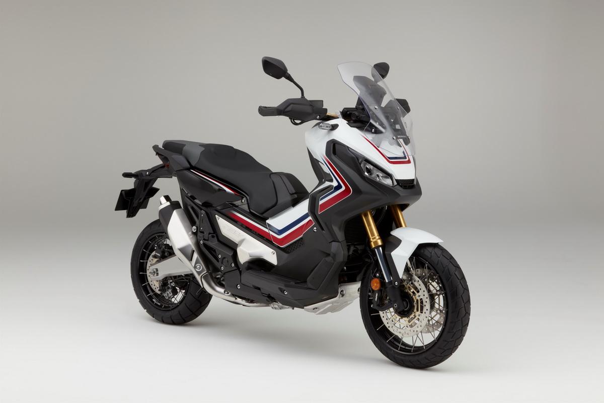 Honda 2017 X ADV (1).jpg