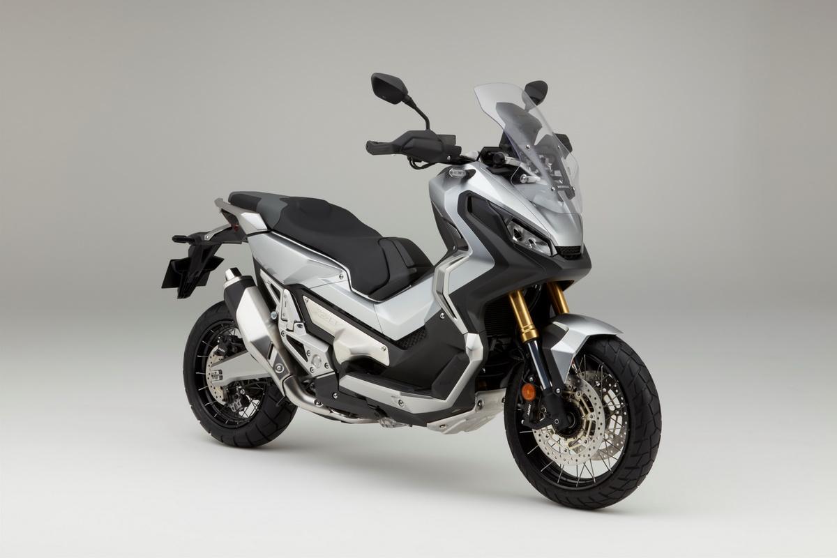 Honda 2017 X ADV (2).jpg