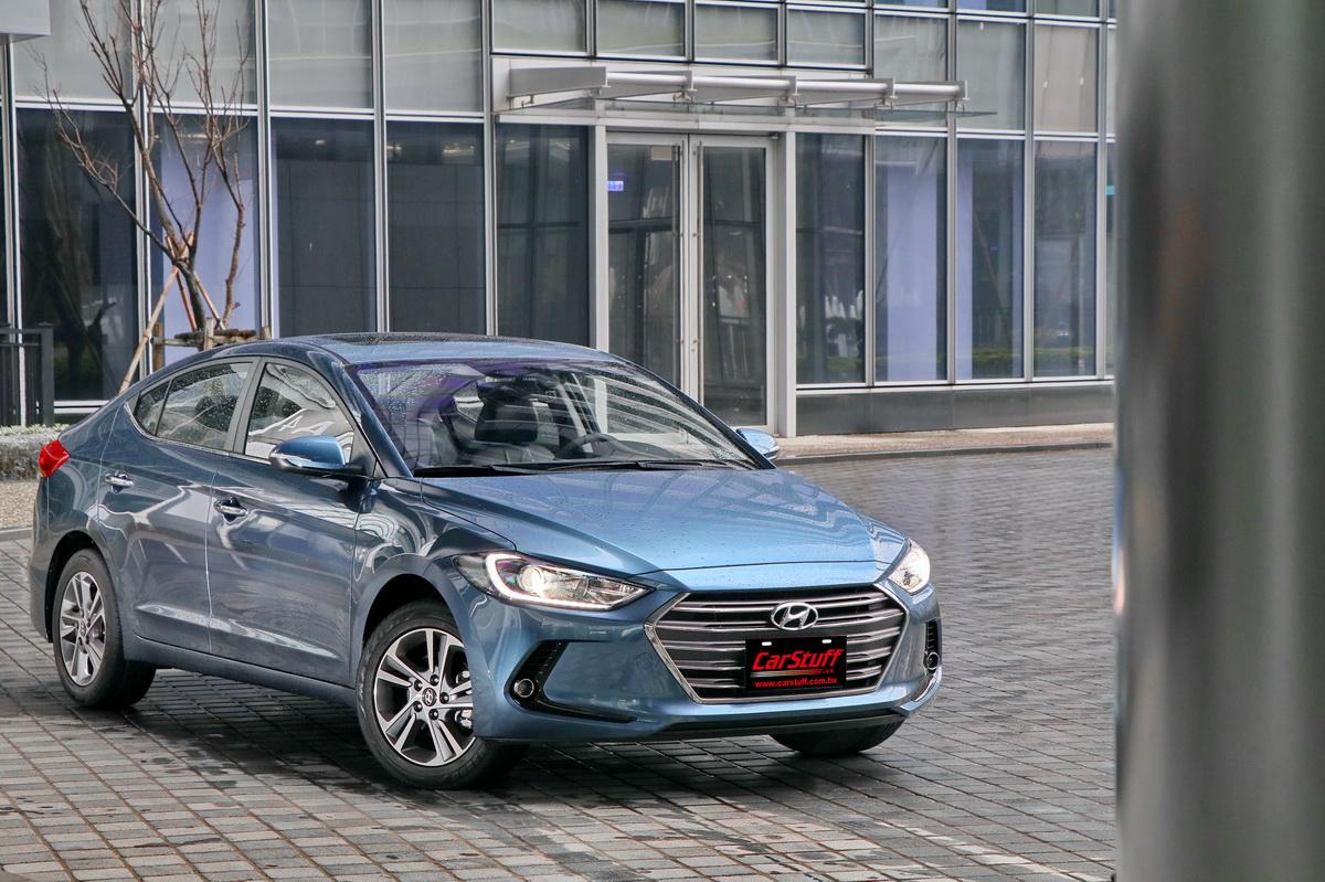 Hyundai Super Elantra_1.JPG