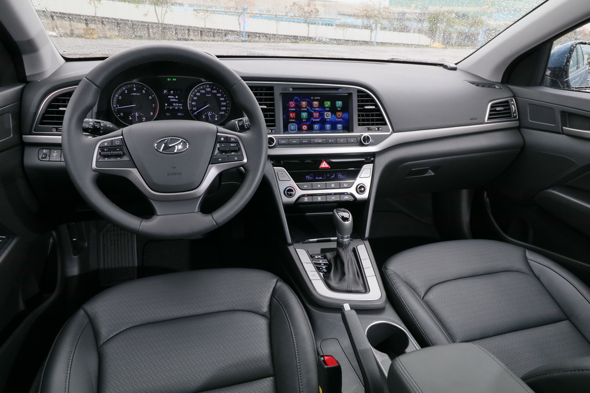 Hyundai Super Elantra_4.JPG