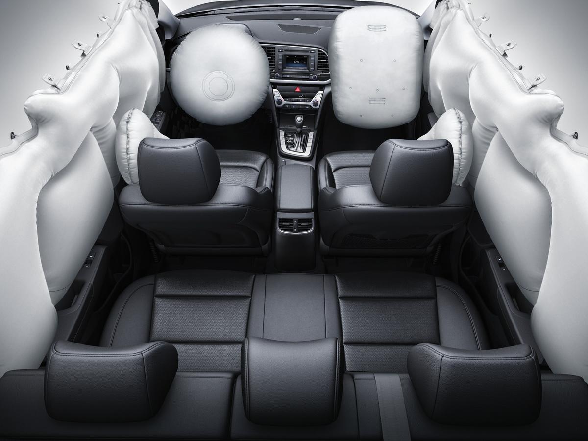 Hyundai Super Elantra_8.jpg