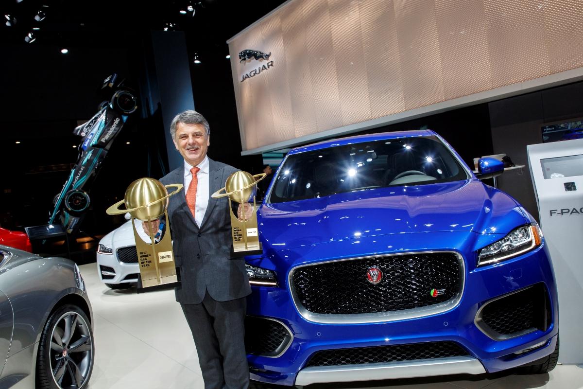 圖2:Jaguar Land Rover 全球執行長 Dr. Ralf Speth 與 Jaguar F-PACE.jpg