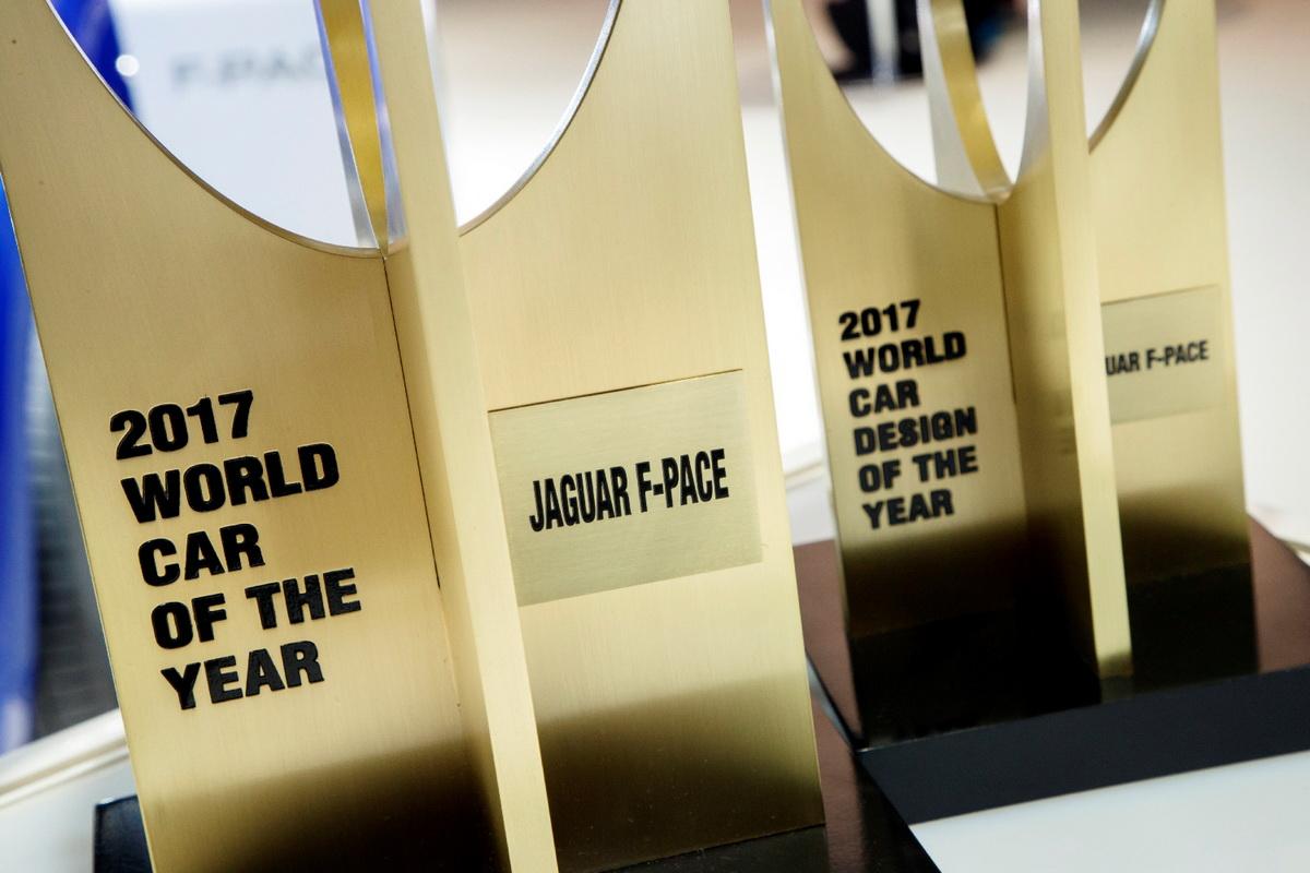 圖3:Jaguar F-PACE 榮登世界風雲車大獎創立13年以來,唯二同時贏得「年度風雲車」與「年度最佳設計」兩項重量級獎項之車款.jpg