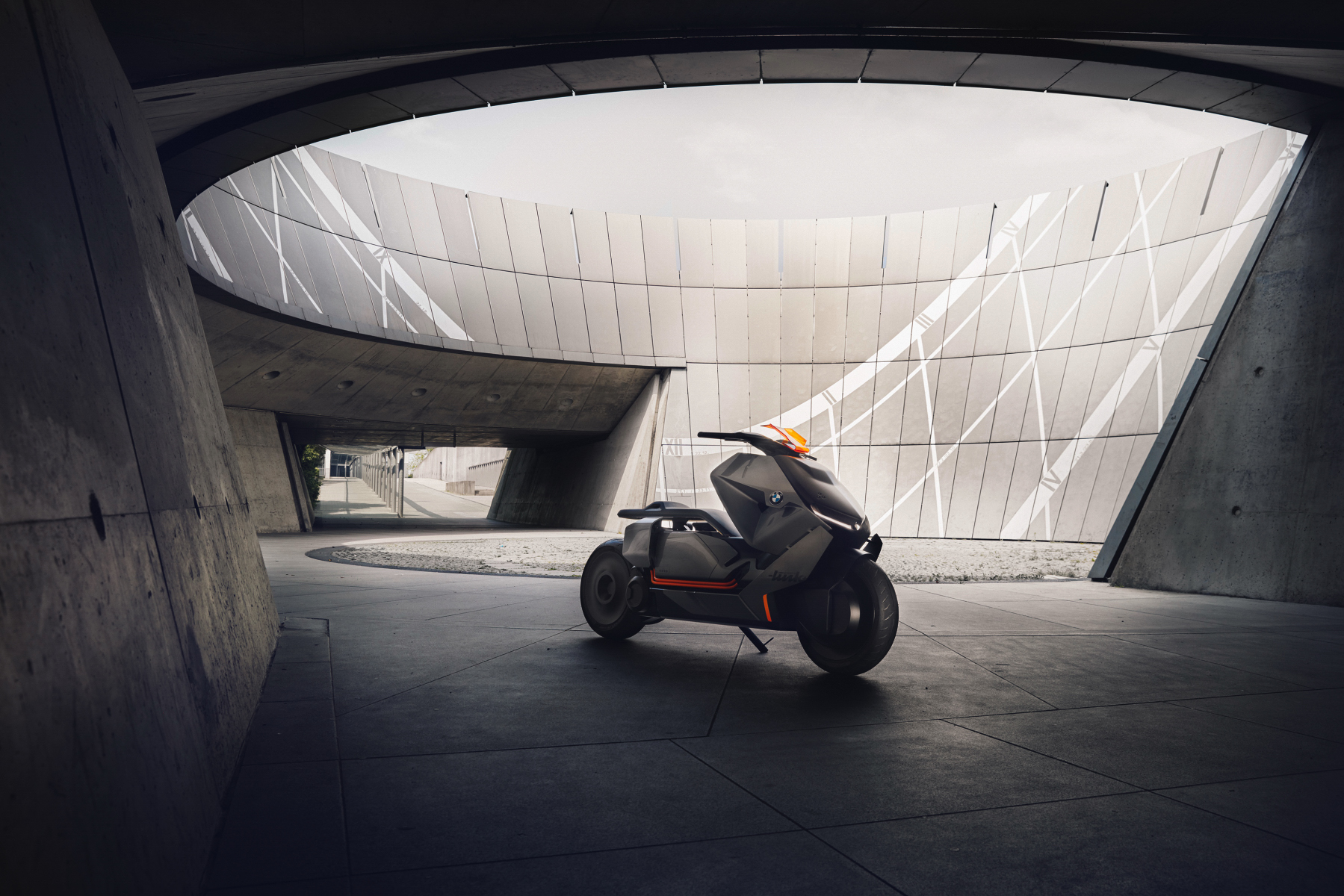 P90260578_highRes_bmw-motorrad-concept_01 拷貝.JPG