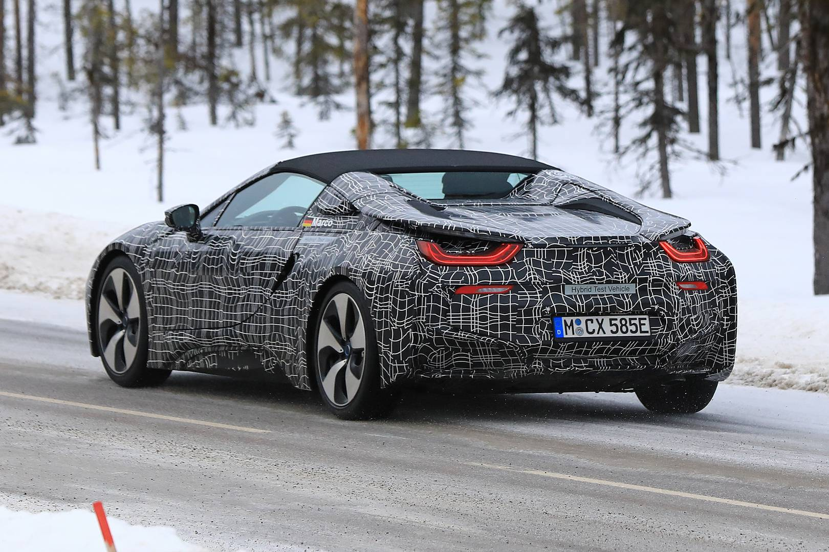 BMW-i8-Spyder-011.jpg
