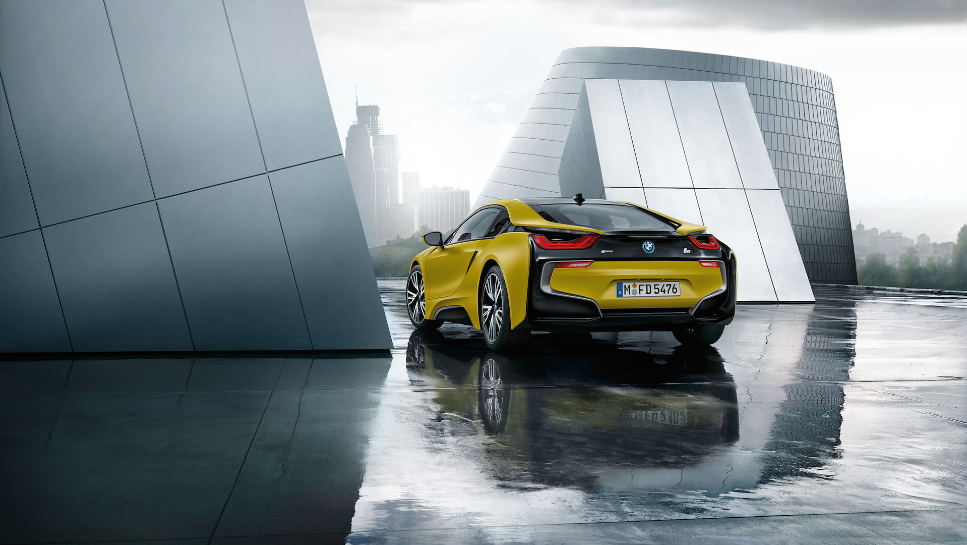 bmw-i8-frozen-black-and-yellow (5).jpg