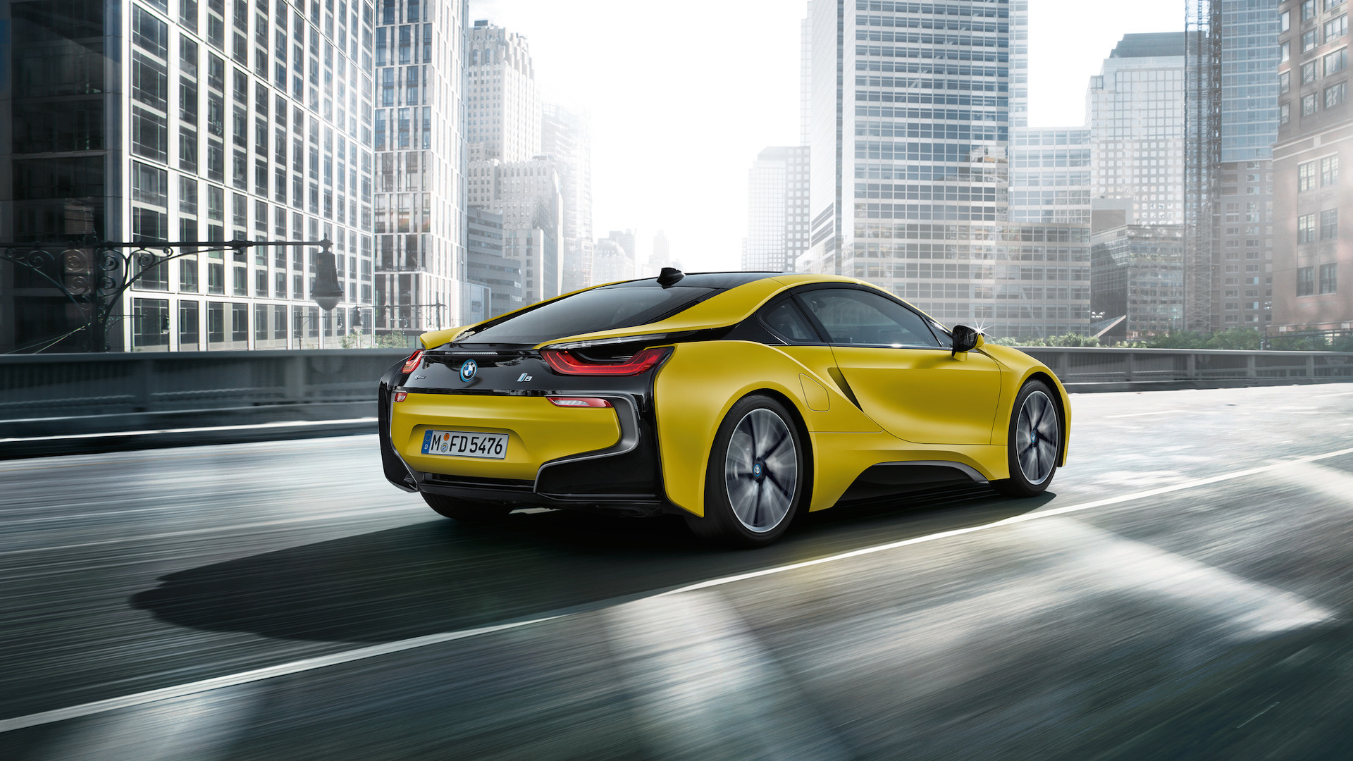 bmw-i8-frozen-black-and-yellow (7).jpg
