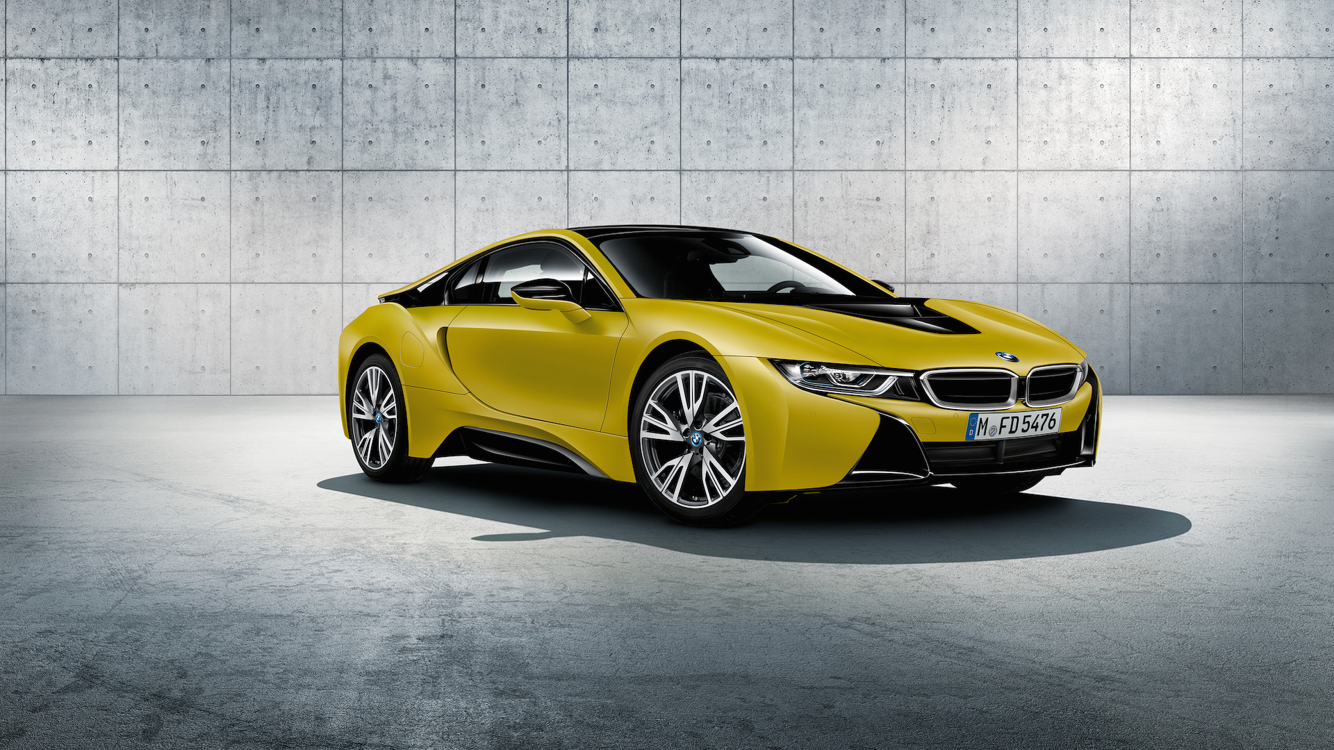 bmw-i8-frozen-black-and-yellow.jpg