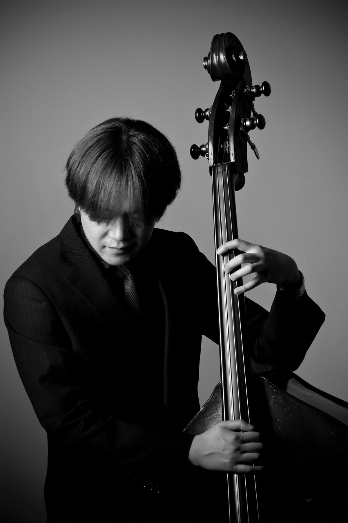 來自東京的貝斯手山田洋平,經常受邀海內外音樂演出及爵士講座教學職務.jpg