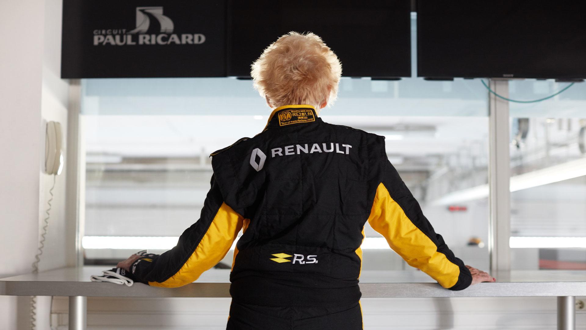 79-year-old-f1-driver (6).jpg