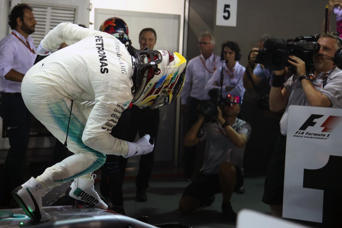 Lewis Hamilton於新加坡站一路穩紮穩打獲得勝利,收下生涯第60個分站冠軍.JPG