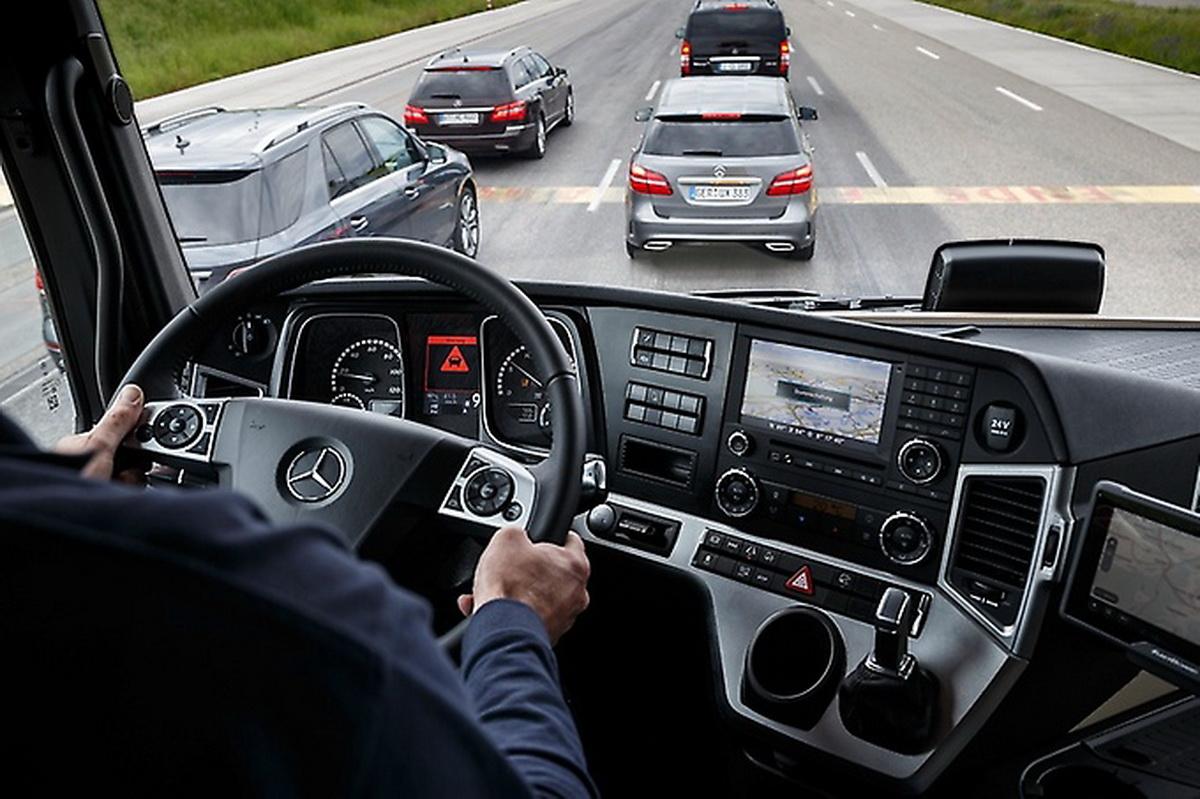 Mercedes-Benz Trucks 領先業界,唯一搭載ABA 4主動剎車輔助系統,樹立重車安全典範.jpg