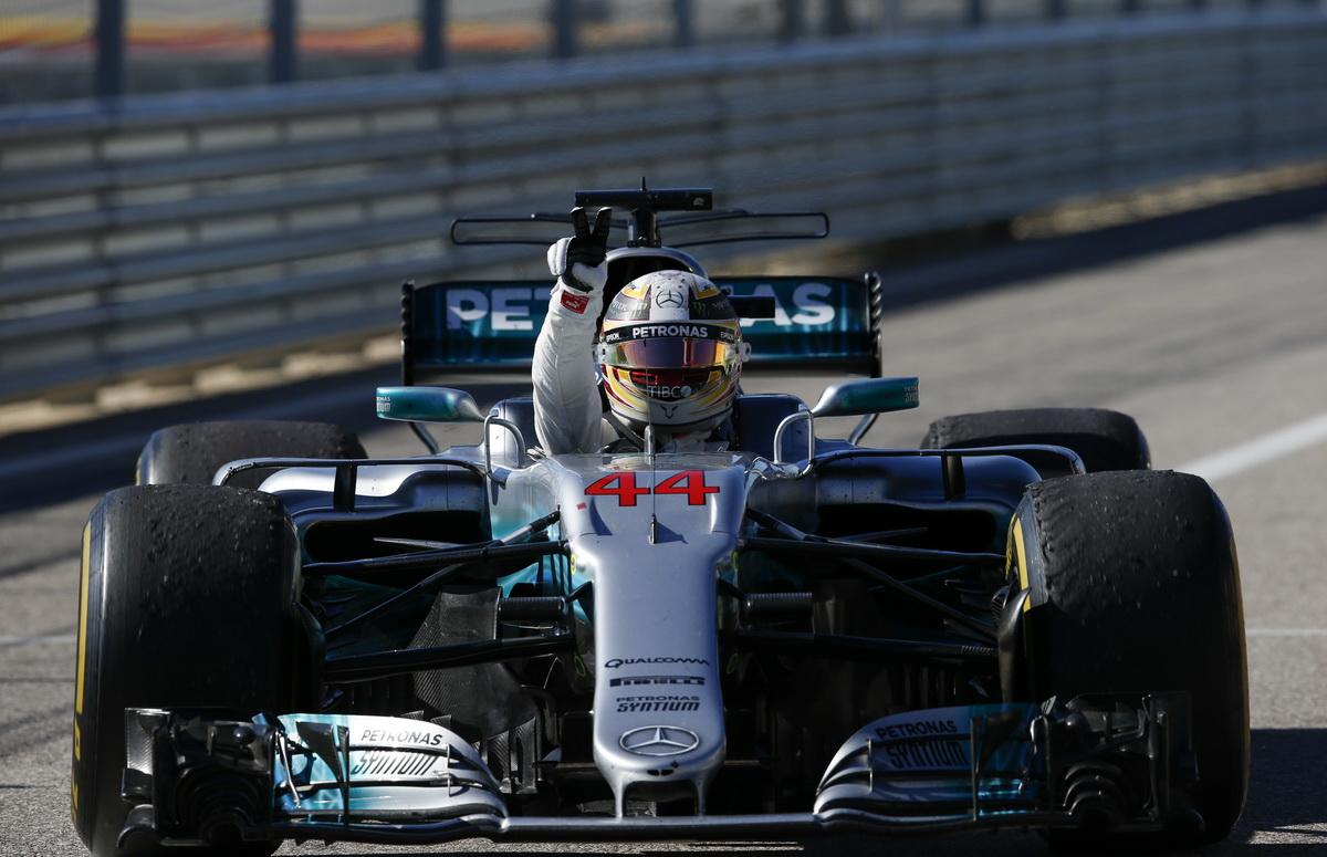 在美國站保有輝煌成績的Lewis Hamilton於地6圈反超Sebastian Vettel並順利拿下冠軍,隊友Valtteri Bottas則以第五名完賽.jpg