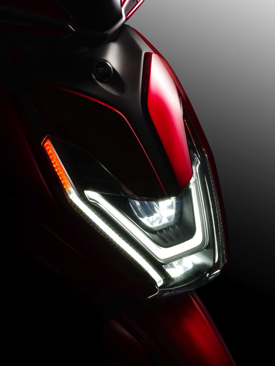 FNX概念車頭燈.JPG