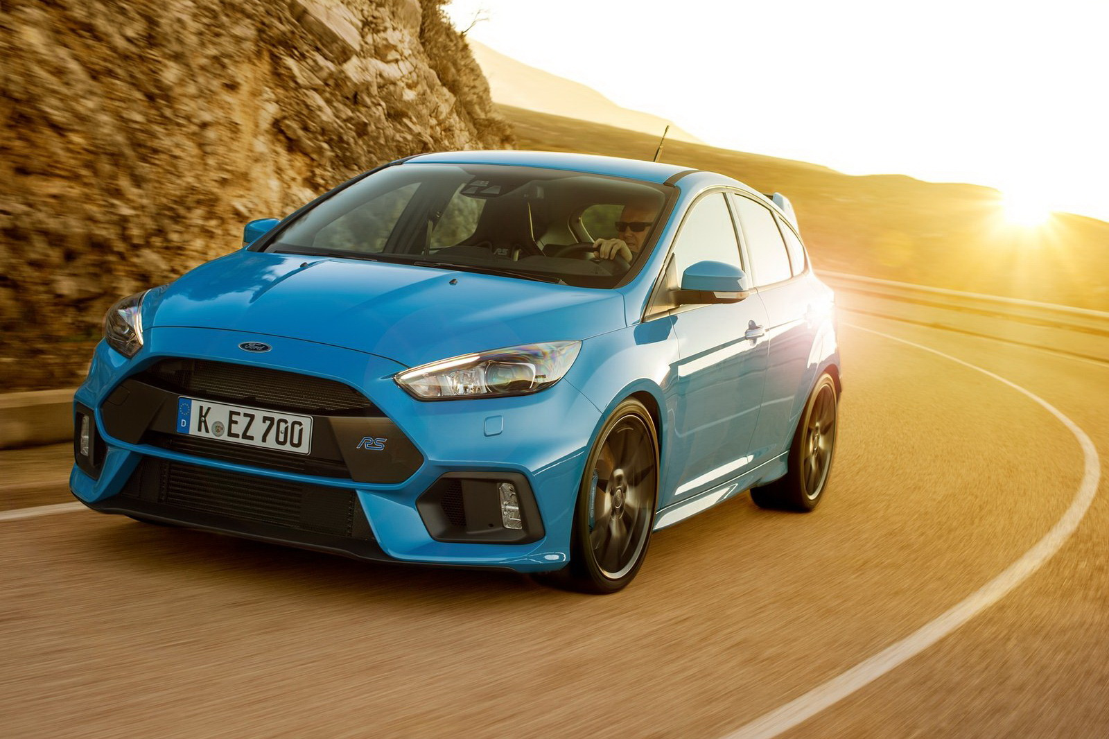 Ford-Focus_RS-2016-1600-06.jpg