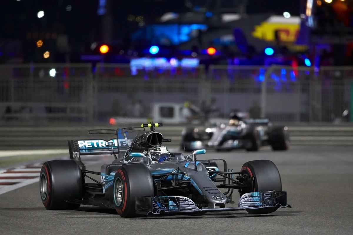 Valtteri Bottas以Pole to win完美表現奪得阿布達比站第一名,同時也拿下2017年F1年度車手第三名.jpg