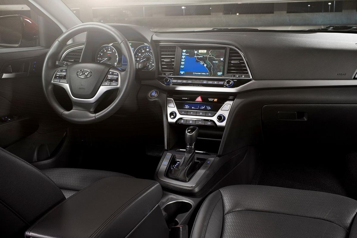 Hyundai-Elantra-2017-1600-12.jpg