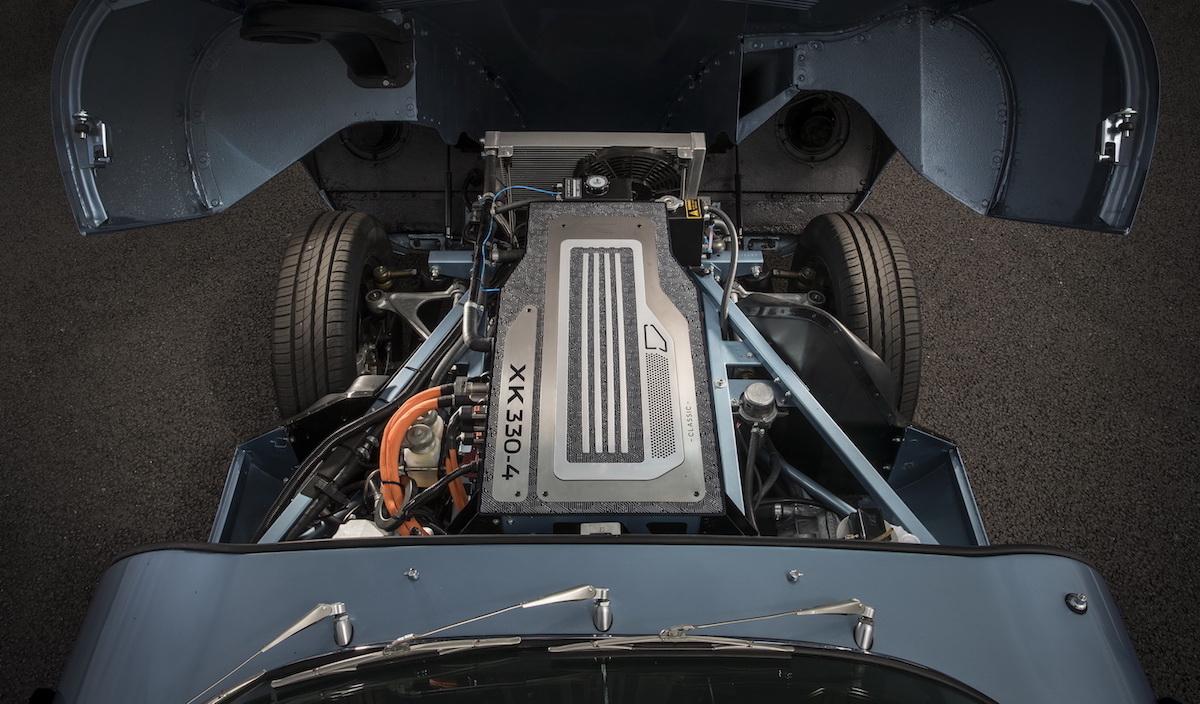 2017-jaguar-e-type-zero-concept-8.JPG